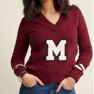 Final Price ⭐️ Varsity V-Neck Pullover Sweater